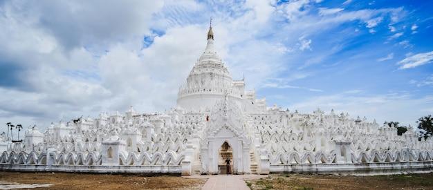Pagode bonito de hsinbyume (mya thein dan) ou chamado taj mahal do rio irrawaddy