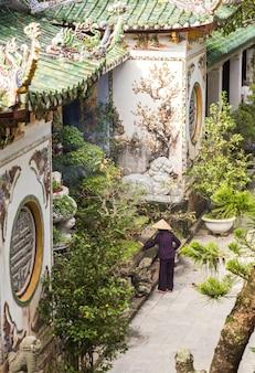 Pagode budista, templo nas montanhas de mármore, da nang vietnã