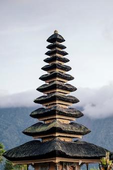 Pagode de bali, na indonésia Foto gratuita