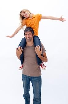 Pai, dar, feliz, filha, carona piggyback