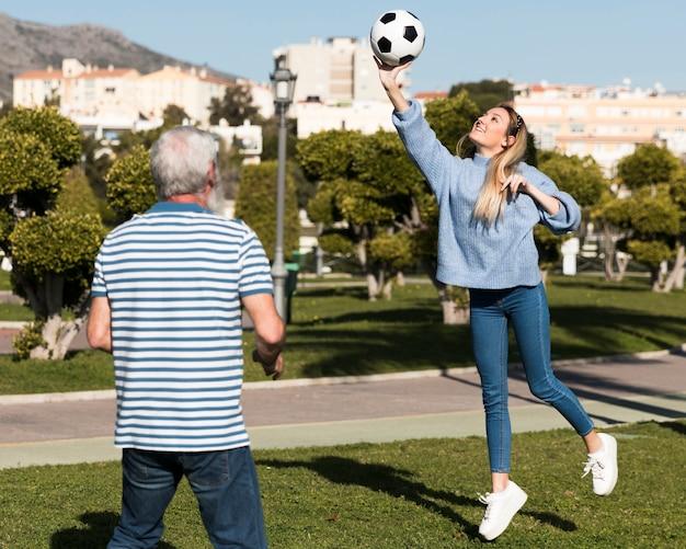 Pai e filha a passar tempo juntos