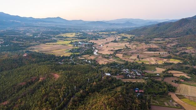 Pai é uma pequena cidade na província de mae hong son, no norte da tailândia