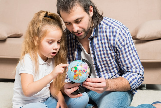 Pai filha, olhar, globo