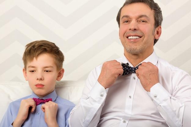 Pai filho, ajustar, bowties