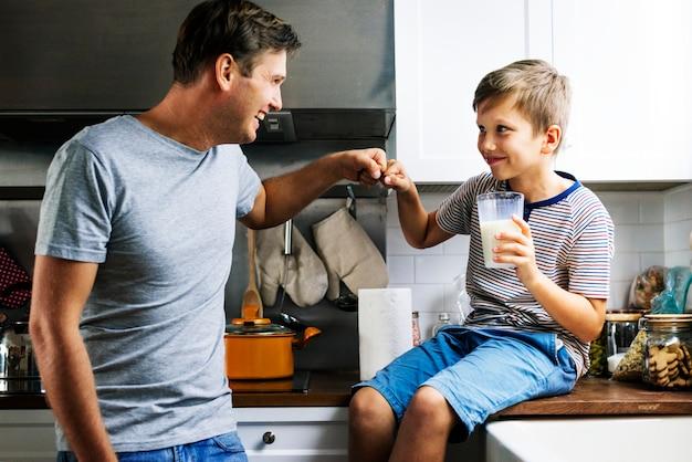 Pai filho, cozinha