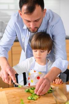 Pai monoparental e seu filho