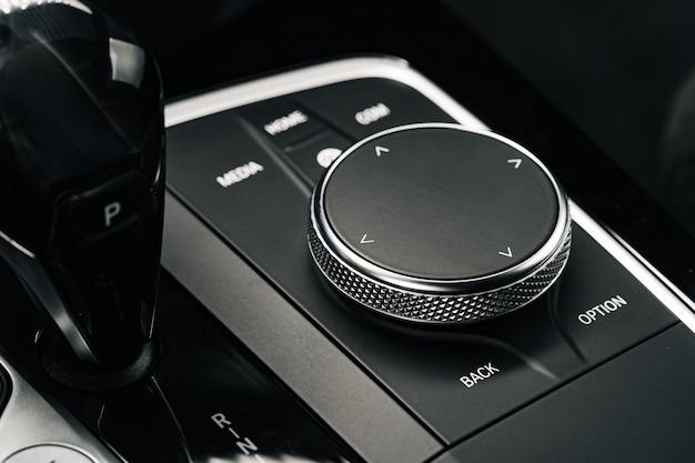 Painel de botões do carro no painel