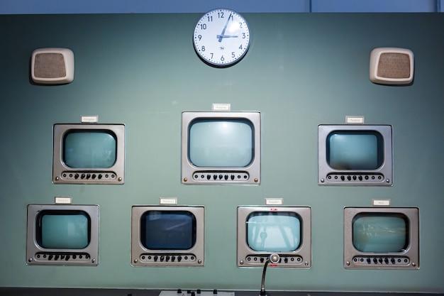 Painel de comunicação raro no museu da rádio eletrônica. berlim, alemanha - 17.05.2019
