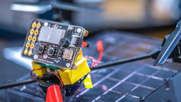 Painel de controle de operador robótico industrial