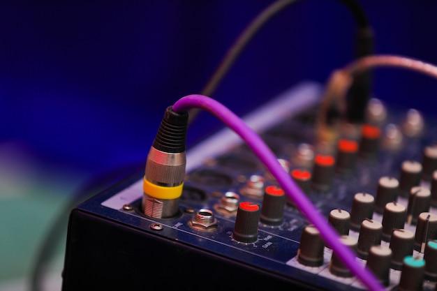 Painel de controle do mixer de música