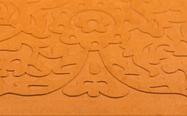 Painel de corte a laser. teste padrão floral dourado. ornamento de silhueta de caixa de presente ou favor.