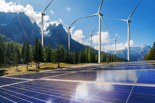 Painel de energia solar célula fotovoltaica e gerador de energia para fazenda de turbina eólica na paisagem natural