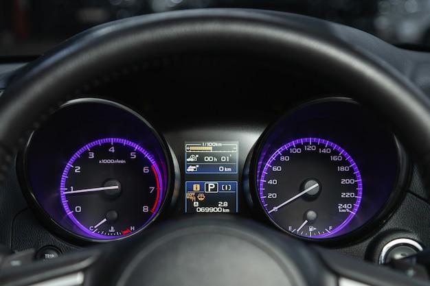 Painel do carro, velocímetro digital brilhante, hodômetro e outras ferramentas