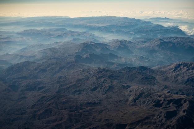 Paisagem aérea das montanhas de touro