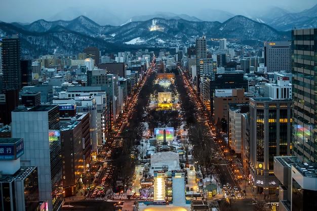 Paisagem bela vista superior, marco de sapporo no inverno, hokkaido, japão