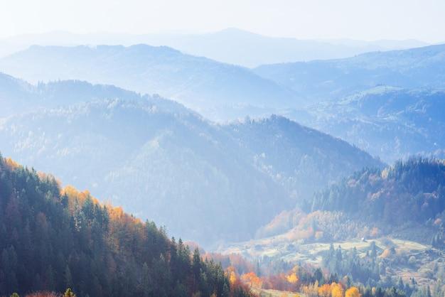 Paisagem cênica de outono