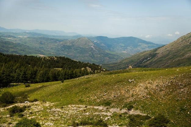 Paisagem com bela natureza na sicília, itália.