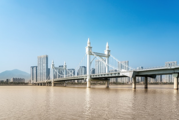 Paisagem da cidade de zhuhai e paisagem costeira da ponte baishi