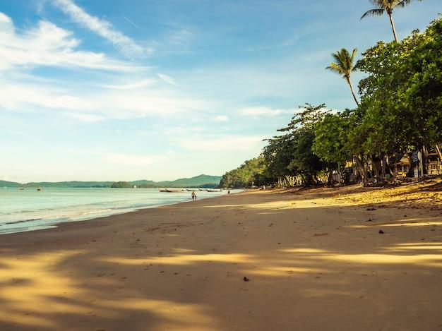 Paisagem da praia, krabi tailândia
