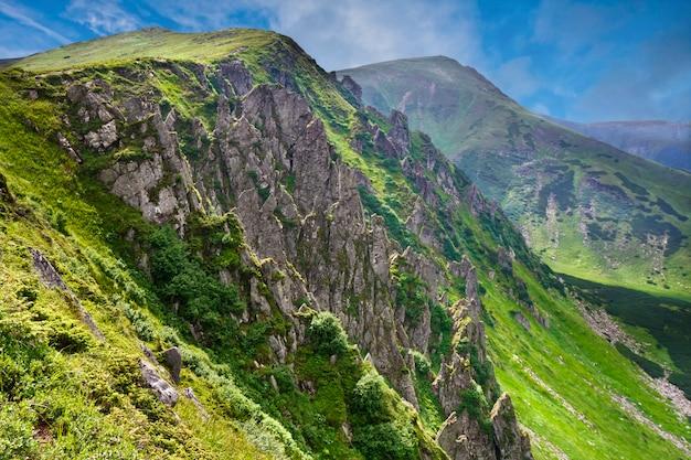 Paisagem de belas montanhas