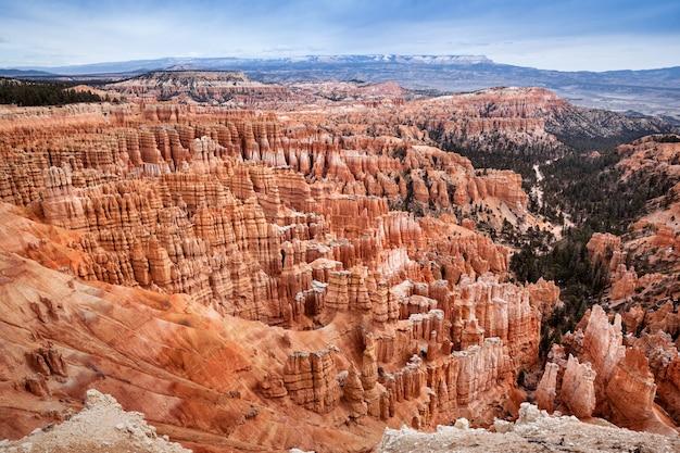 Paisagem de hodoos no bryce canyon, estado de utah, viajando nos eua