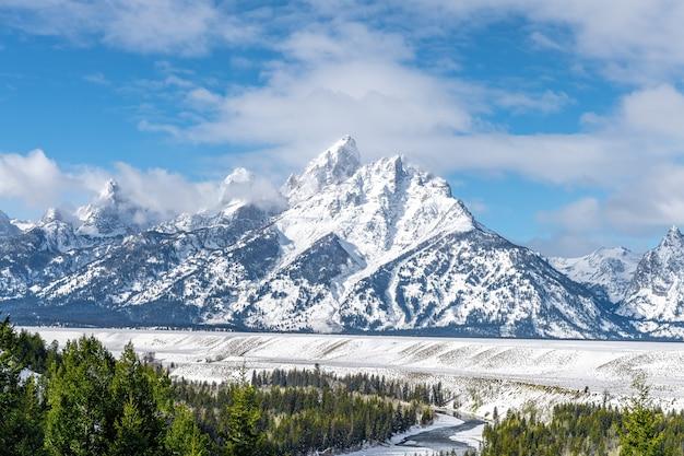 Paisagem de inverno no parque nacional grand teton, wyoming Foto Premium