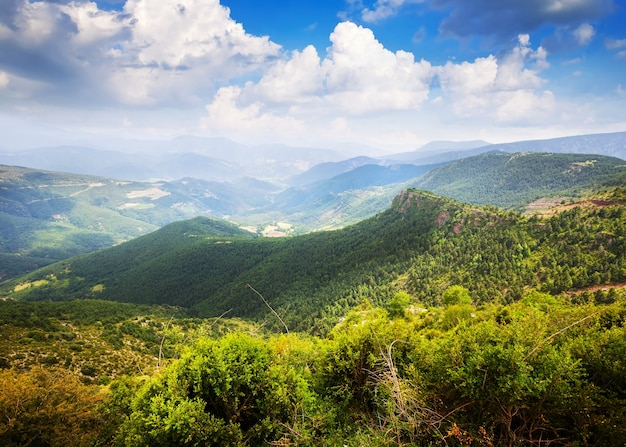 Paisagem de montanhas horizontais