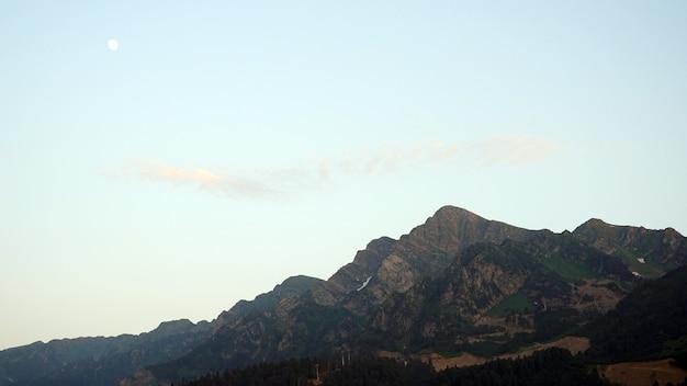 Paisagem de montanhas pela manhã, sochi rússia