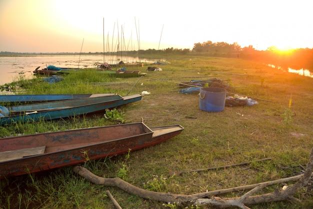 Paisagem de pesca de barco na tailândia