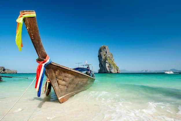 Paisagem de praia linda na tailândia