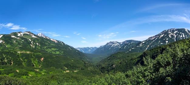 Paisagem de vale montanhoso, kamchatka, rússia