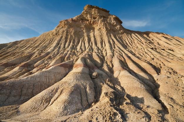 Paisagem desertic de bardenas reales em navarra, espanha.