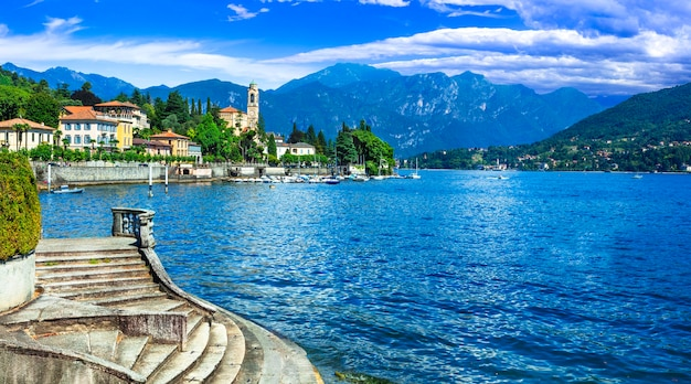 Paisagem do lago belo lago di como lombradia itália
