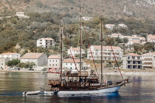 Paisagem do navio montenegro
