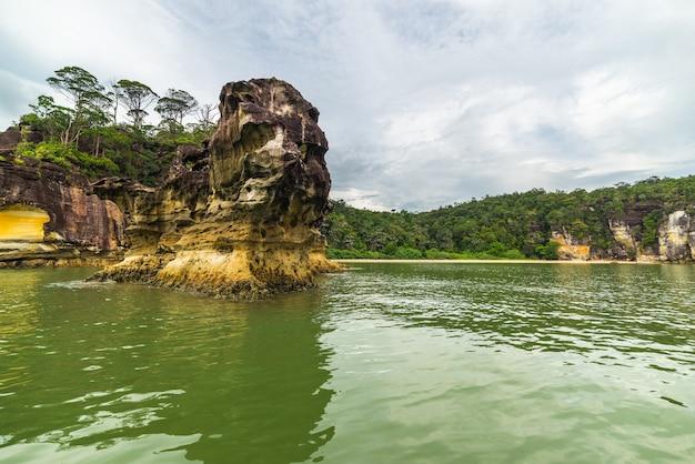 Paisagem do parque nacional bako, bornéu da malásia