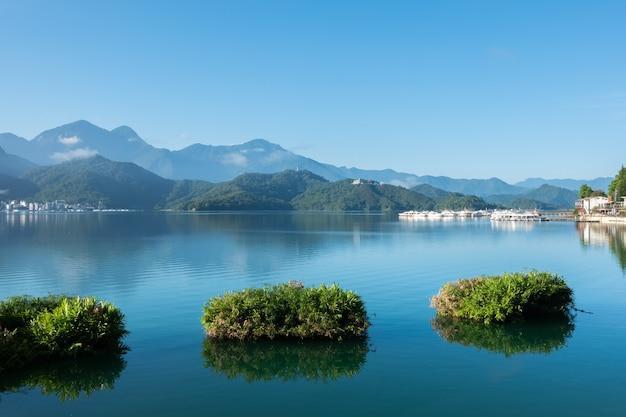 Paisagem famosa do lago sol e lua em nantou, taiwan