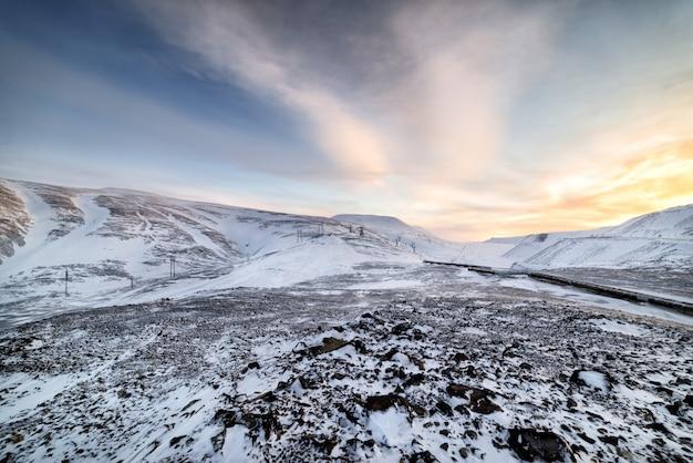 Paisagem montanhosa do ártico