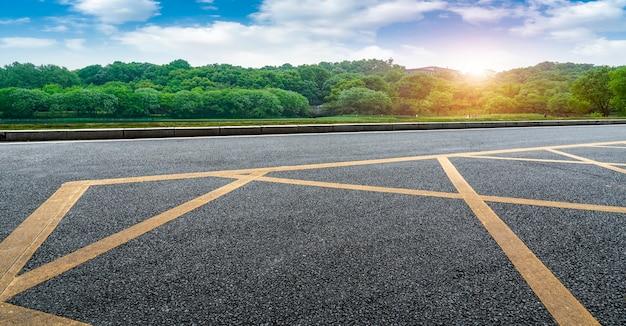 Paisagem natural da estrada e cenário paisagístico