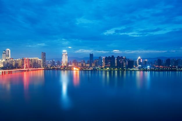 Paisagem urbana, arranha-céus aéreos china nanchang.