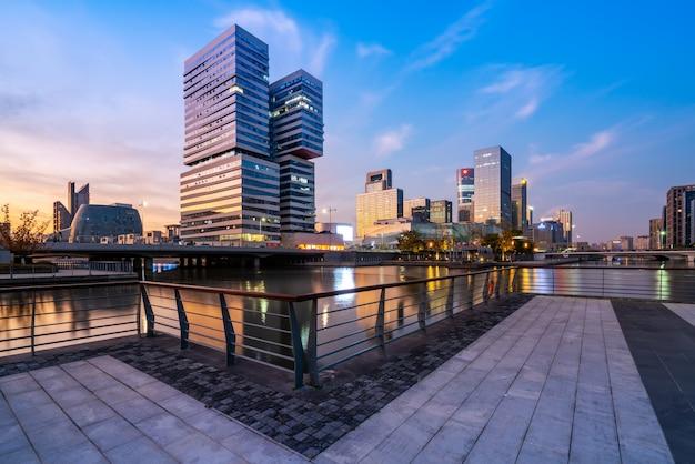 Paisagem urbana de arquitetura moderna da cidade de ningbo