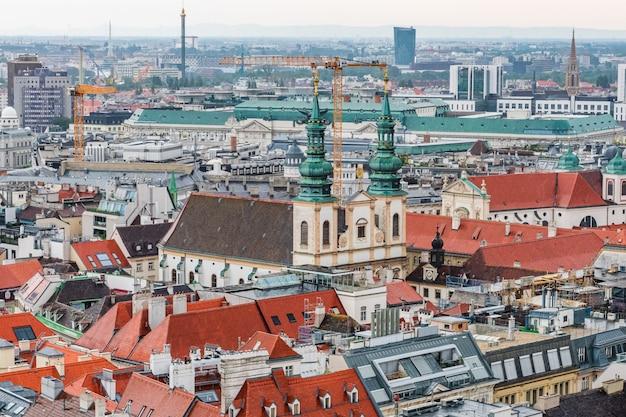 Paisagem urbana de viena da torre da catedral