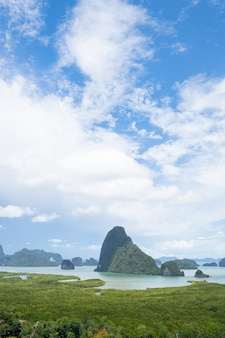 Paisagem viewpoint samed nang chee bay ponto de vista da montanha na província de phang nga