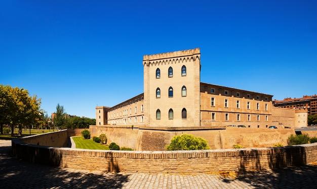 Palácio de aljaferia em zaragoza. aragão