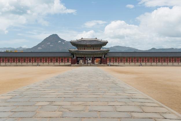 Palácio de gyeongbokgung na cidade de seoul, coreia do sul.