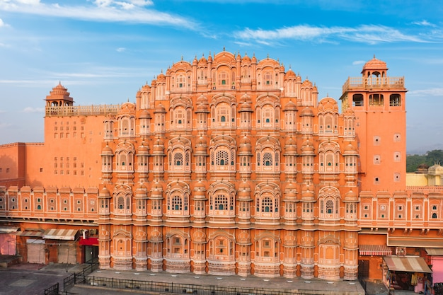 Palácio de hawa mahal de windsin pela manhã. jaipur, rajasthan, índia