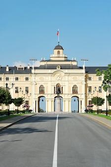 Palácio de konstantinovsky em strelna, são petersburgo. a residência do presidente da rússia