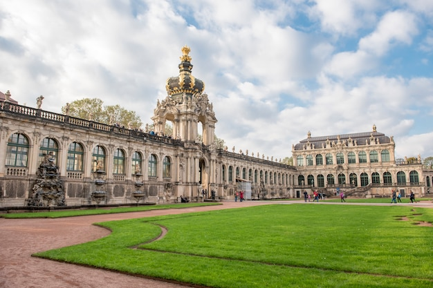 Palácio de zwinger de dresden bela arquitetura barroca