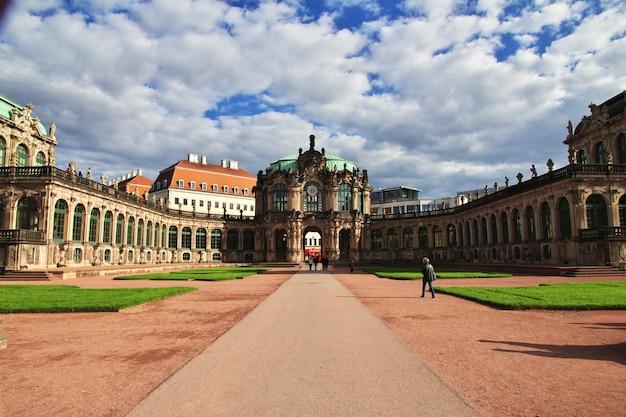 Palácio de zwinger em dresden, saxônia, alemanha