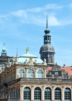 Palácio zwinger (hoje é um complexo de museus) em dresden, alemanha. construir de 1710 a 1728. arquiteto matthaus daniel poppelmann.