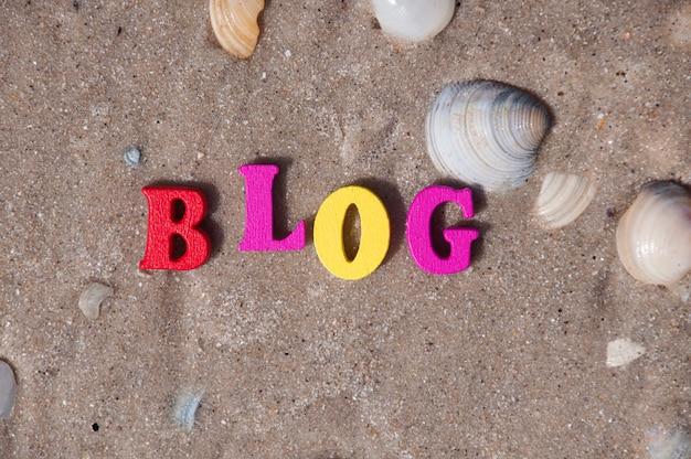 Palavra blog de letras de madeira